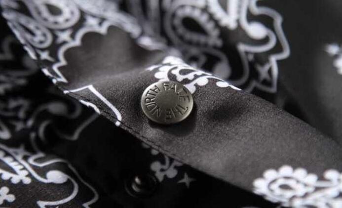 ダークブルー レッド ブラック 3色 supreme the north face シュプリーム 偽物 ザ・ノース・フェイスヌプシジャケット.