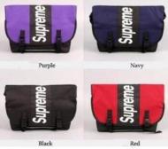 超人気新品 SUPREME シュプリームメンズショルダーバッグ パープル ネイビー グリーン イエロー ブラック レッド ブルー ダークブルー 8色.