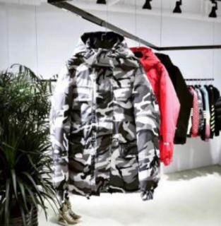 2017秋冬季超人気 シュプリーム ジャケット コピー  ダウン メンズ ブラック、赤、迷彩3色選択 帽子付き.
