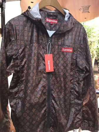 レッド コーヒー色 2カラー シュプリーム 激安 supreme x louis vuitton ボックスロゴパーカー フード付き ジップアップ 秋冬メンズマウンテンジャケット.