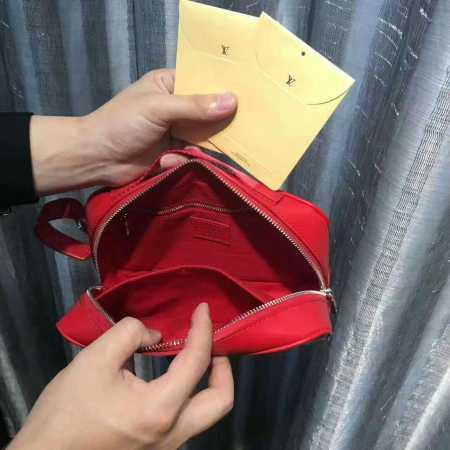SUPREMExLOUIS vuitton ルイヴィトン シュプリーム 偽物 コラボ 男女兼用 クラッチバッグ gm m67722 レッド ブラック セカンドバッグ.