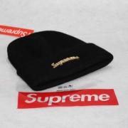 洗練されたデザインシュプリーム2017AWニット帽子SUPREME帽子偽物シュプリームゴールドロゴキャップユニセックスブラック