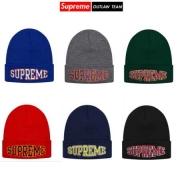 上品シュプリーム通販激安ニット帽子SUPREME帽子偽物SUPREME OUTLAW TEAMシュプリームロゴニットキャップレッド多色可選