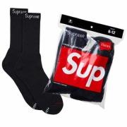 ソフトな肌触りのシュプリームオンライン靴下SUPREME 通販 安いソックスロゴ有りブラック