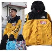 SUPREME x THE NORTH FACE シュプリーム ザノースフェイス コラボ 青 黒 黄色 ライトブルー 4色 フード付き 中綿入れ メンズダウンジャケット.