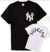 新作入荷人気なシュプリーム SUPREME Tシャツ カットソー プリント クルーネック 半袖 メンズ レディース.