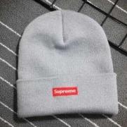 大人気シュプリーム ボックスロゴ 偽物ニットキャップSUPREME17AWニット帽アウトドア